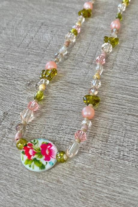 Floral Garden Beaded 18 Inch Necklace