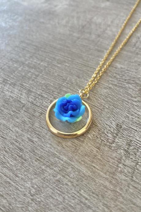 Blue Resin Flower 18 Inch Necklace